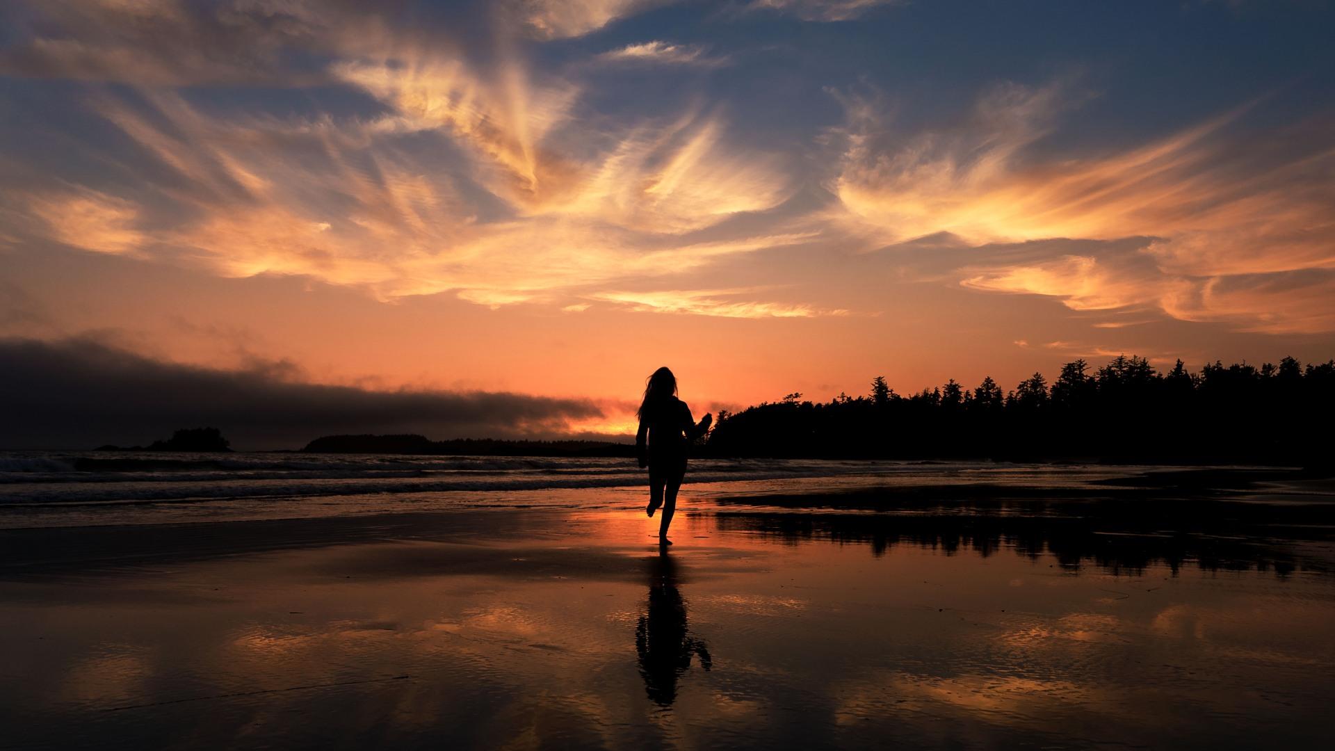 Banff Wedding Photographer Running on the beach